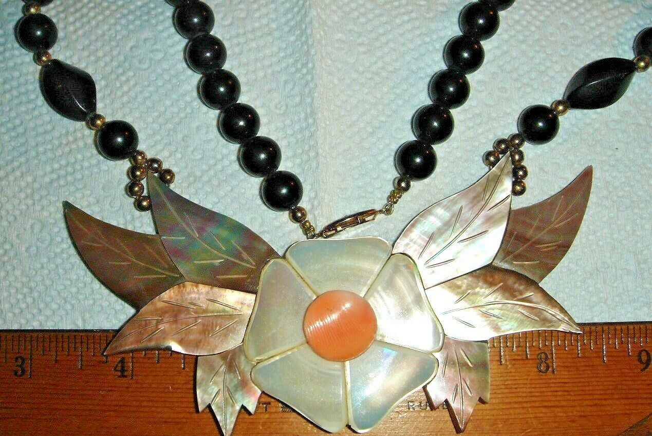 VTG INLAY MOTHER OF PEARL ABALONE FLORAL FLOWER BLACK ONYX NECKLACE EARRING SET