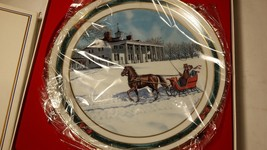 ROYAL WINDSOR COLLECTOR PLATE - Jingle Bells - $9.89