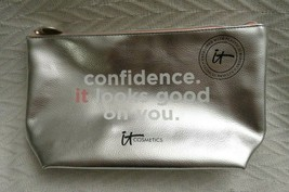It Cosmetics Confidence It Looks Good On You Silver Makeup Travel Bag New - $5.99