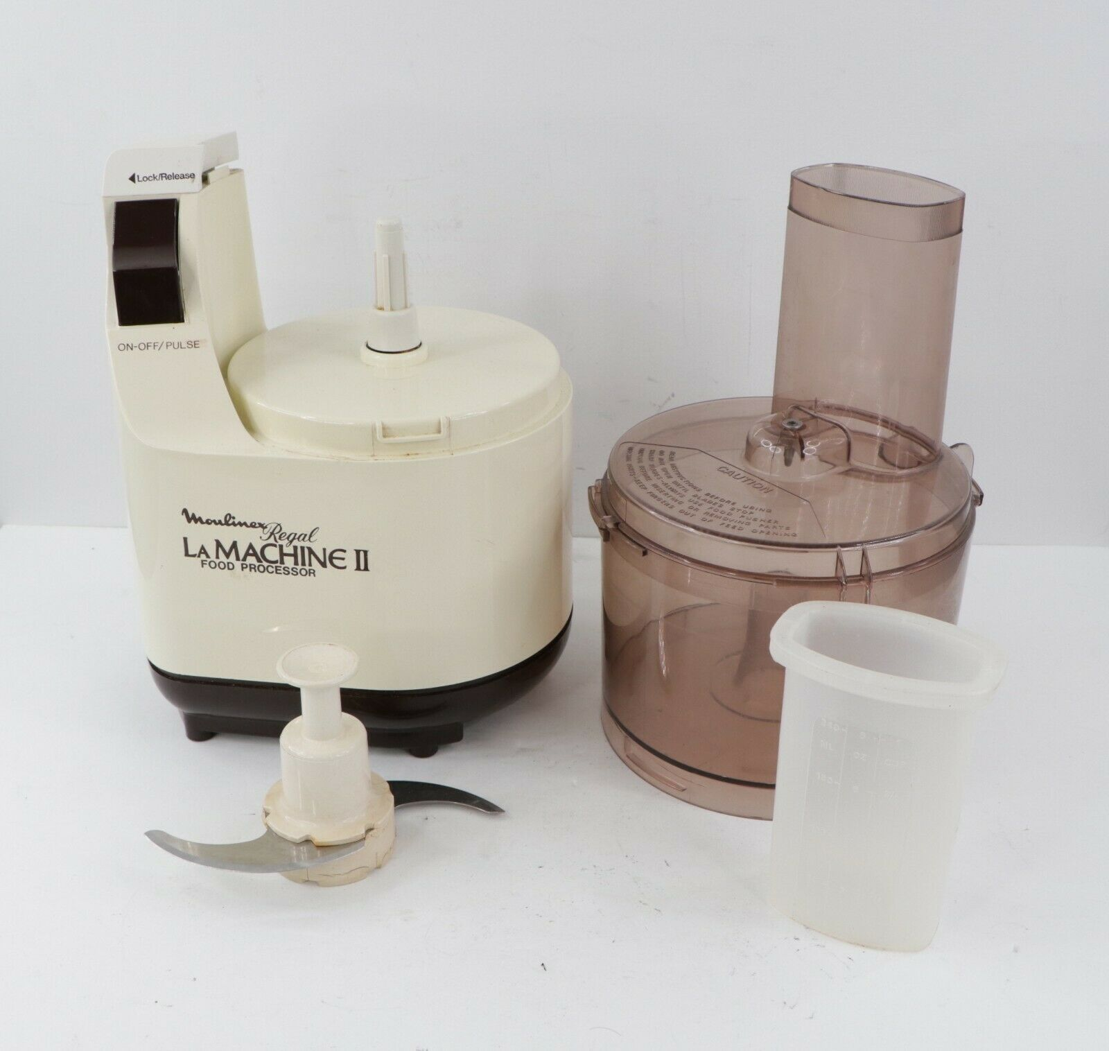 Primary image for Vintage Moulinex Regal La Machine II Food Processor Preparation w Extras LM2 USA