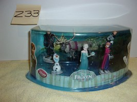 Disney Store Authentic Frozen  Figure Figurine Play Set Elsa Anna Cake Topper - $24.99