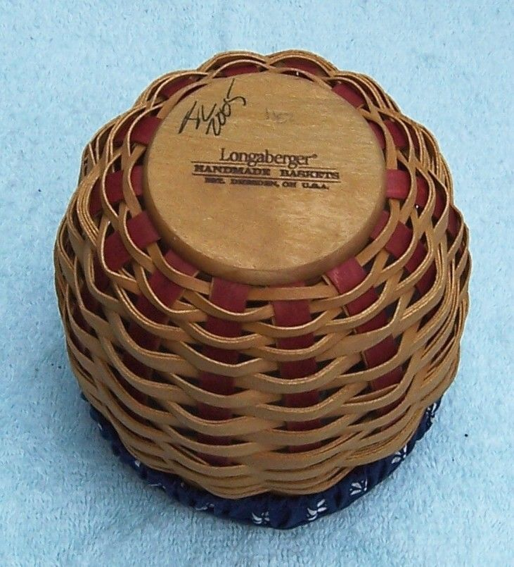 Longaberger Small Strawberry Basket 2005
