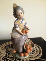 Lladro Miss Valencia # 1422 Retired, mint HTF - $295.00