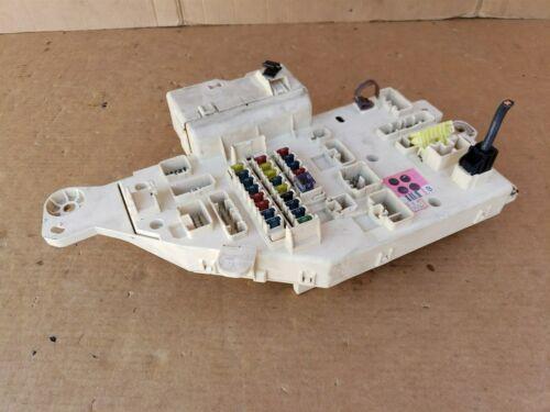 98-02 Land Cruiser Lexus LX470 Dash Panel Junction Block Cabin Fuse Box