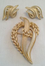 Vintage Crown Trifari Brushed Gold-tone Floral Leaf Brooch & Earring Set - $15.00