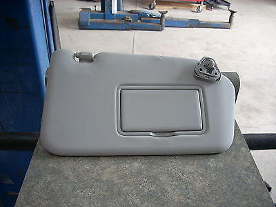 2013 NISSAN JUKE  RIGHT PASSENGER SIDE SUN VISOR GRAY WITH MIRROR