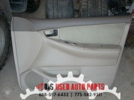 2005 TOYOTA COROLLA RIGHT FRONT DOOR TRIM PANEL