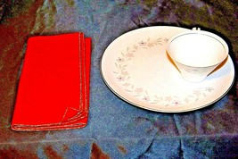 """G"" Plates Japan Fine China Dishes and teacups with Napkins AA20-2344 Vintage image 2"