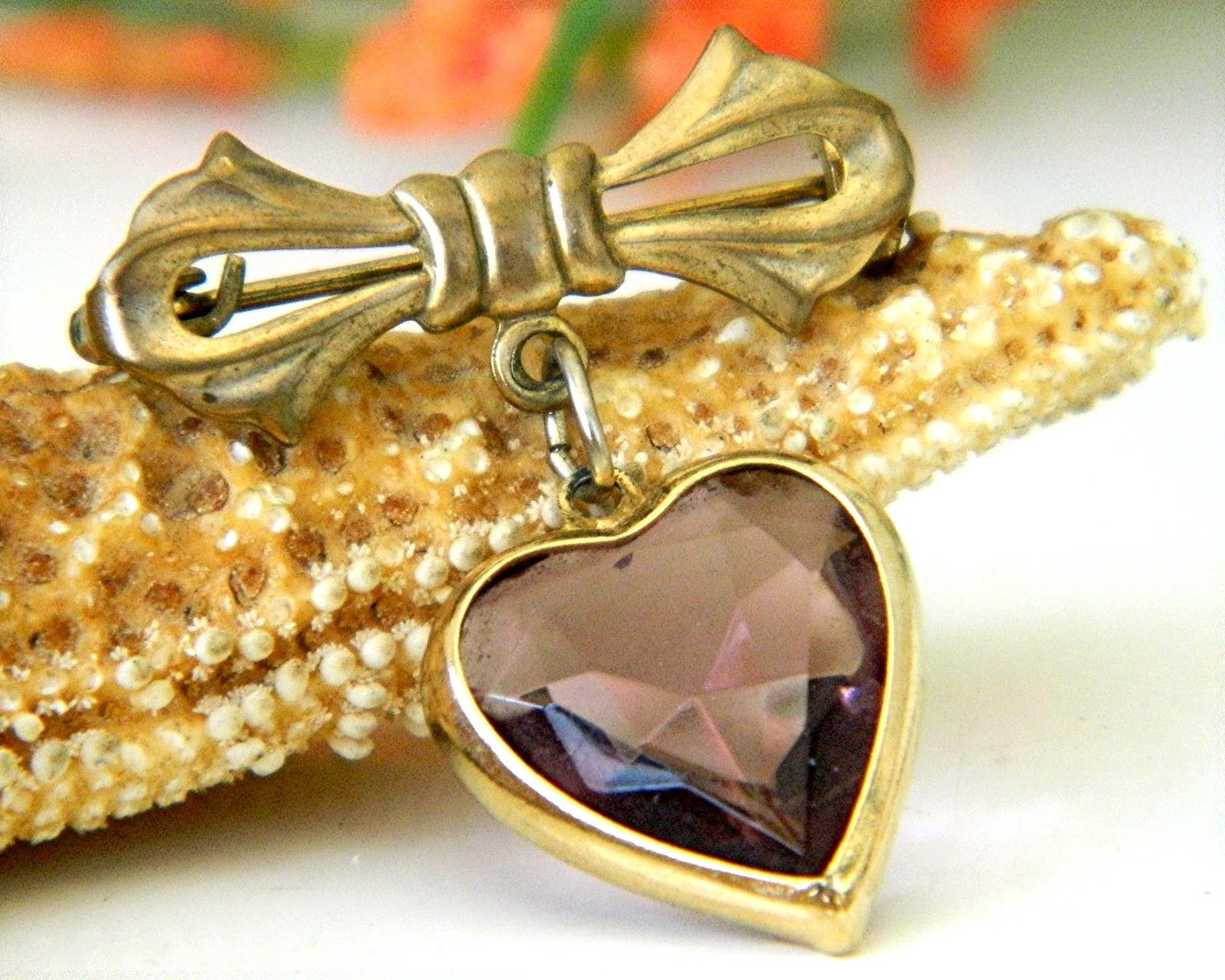 Primary image for Vintage Bow Dangling Valentine Heart Brooch Pin Amethyst Goldtone