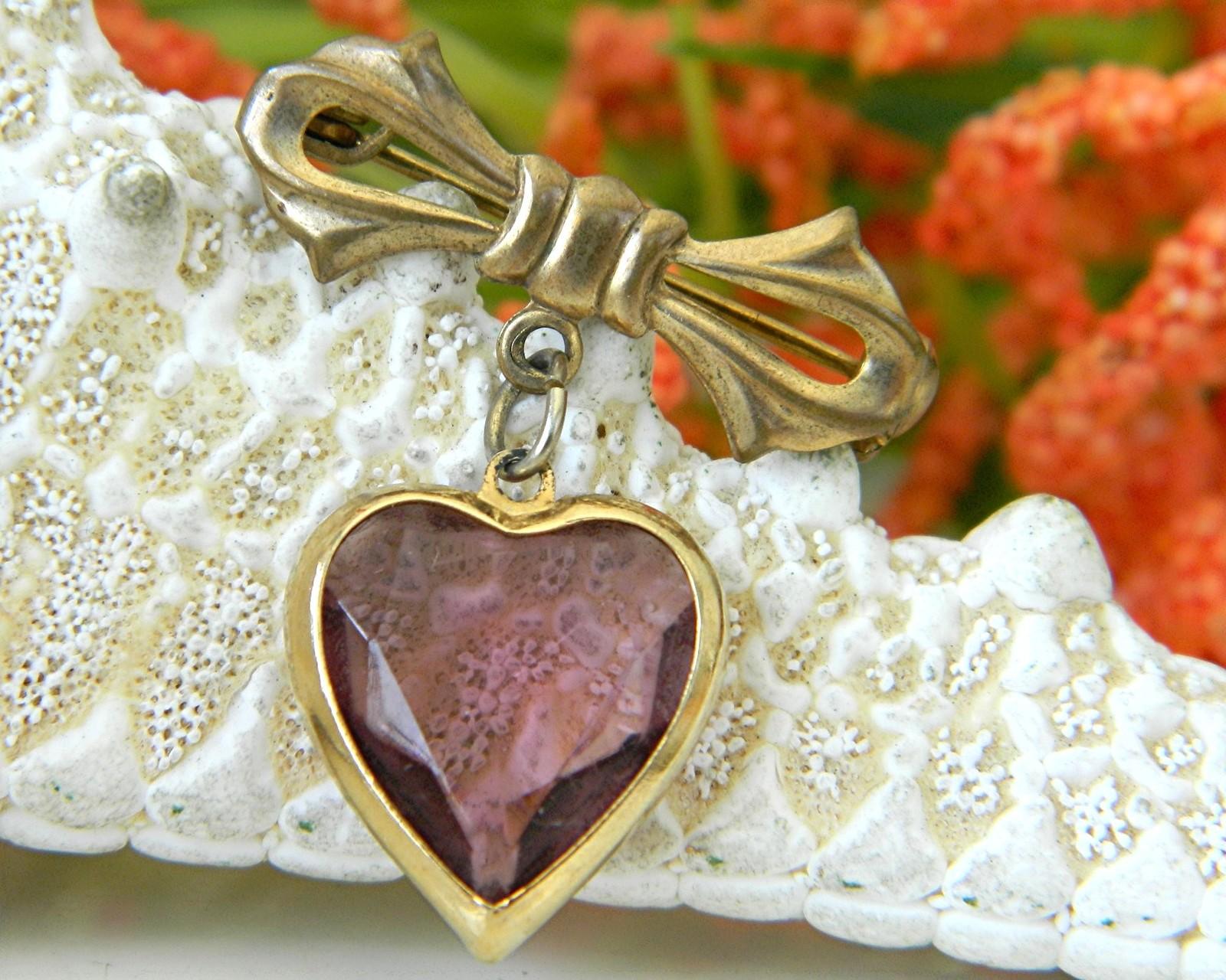 Vintage Bow Dangling Valentine Heart Brooch Pin Amethyst Goldtone image 2