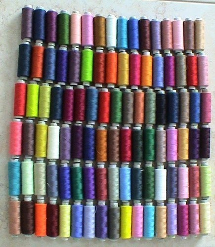 POLYESTER 3 PLY 100 SPOOLS  SEWING QUILTING THREAD NEW  FREE SHIP US SELLER $300