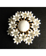 White Daisy Vintage Brooch Pendant  - $19.99