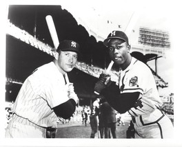 Mickey Mantle & Hank Aaron 8X10 Photo New York Yankees Ny Baseball Picture - $3.95