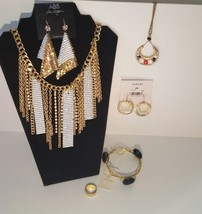 Macy's Wholesale Jewelry Gold Tones Free Ship A... - $29.69