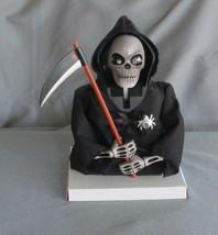 Skull Shocker Grim Reaper Halloween Decoration Moves Makes Noise Spooky NEW - $372,79 MXN