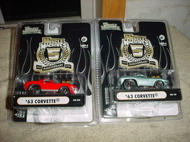 Muscle Machines '63 Corvette 05-04 Red & 05-10 Pale Blue Free Shipping In Usa - $23.36