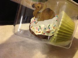Cupcake gift box with choice of Exotic or Safari African animal  on lid image 7
