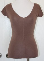 FLOUNCE TBD Nordstrom Women's top brown silky V-neck XS X-small Stitchin... - $7.91