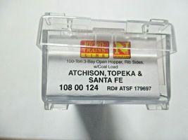 Micro-Trains # 10800124 Atchison, Topeka & Santa Fe 100 Ton 3-Bay Hopper N-Scale image 6