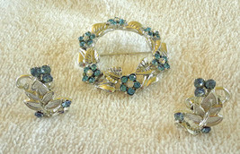 Vintage Blue Rhinestone Flowers Silver  Wreath Brooch & Screw Back Earri... - $20.00