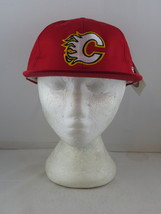 Calgary Flames Hat (VTG) - 1990s Classic by CCM - Adult Snapback (NWT)  - $49.00