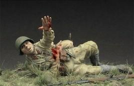 1/35 Resin Figure Model Kit WW2 Soviet wounded soldier Unassembled unpai... - $12.86
