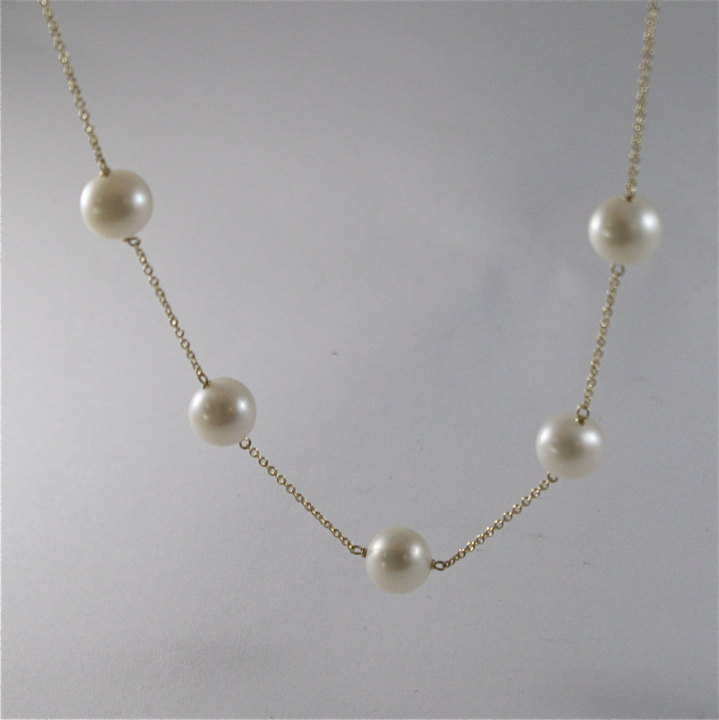 18K YELLO GOLD NECKLACE WITH ROUND WHITE FRESHWATER PEARLS MADE IN ITALY