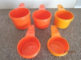 Vtg. 5 PC orange/yellow Tupperware Cups 766-5 765-5 763-5 762-5 761-5 -A-15 - $9.46