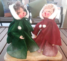"Christmas Carolers Singing Decor Table Top Handmade 11"" X 10.5"" Red Gree... - $29.69"