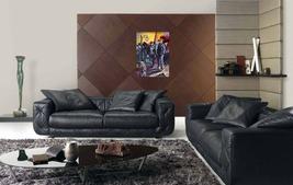 3 gondoliers in black sofas thumb200