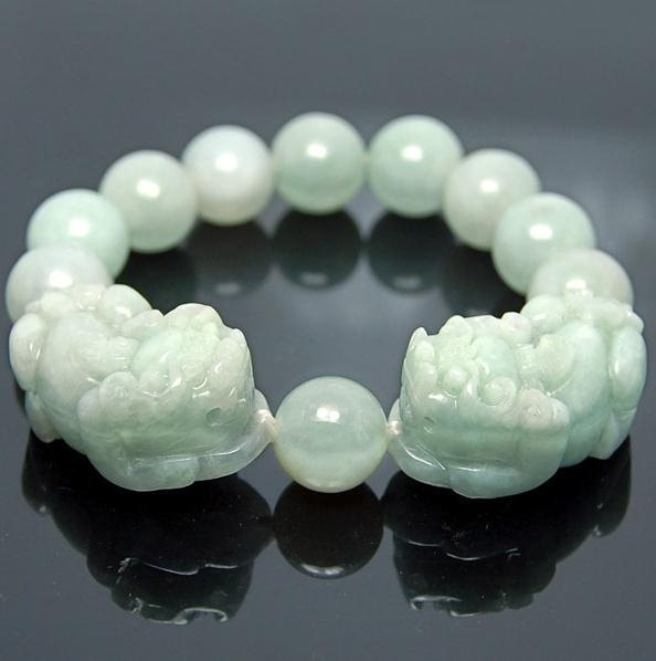 Free Shipping - good luck Amulet Natural green jade carved '' PI YAO'' Prayer Be