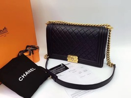 AUTHENTIC CHANEL Black  Quilted Lambskin NEW Medium Boy Flap Bag GHW image 9