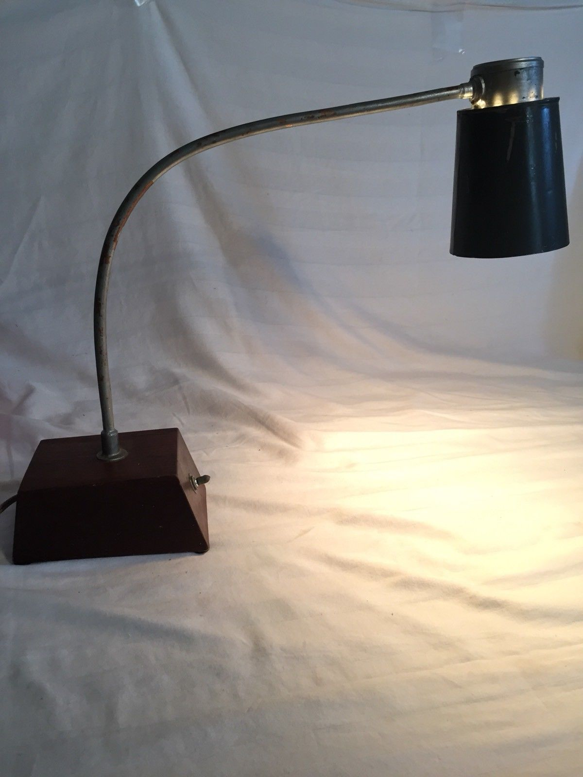 Primary image for Vintage Industrial Utility Desk Light Lamp Metal Brown/green Handmade. Switch