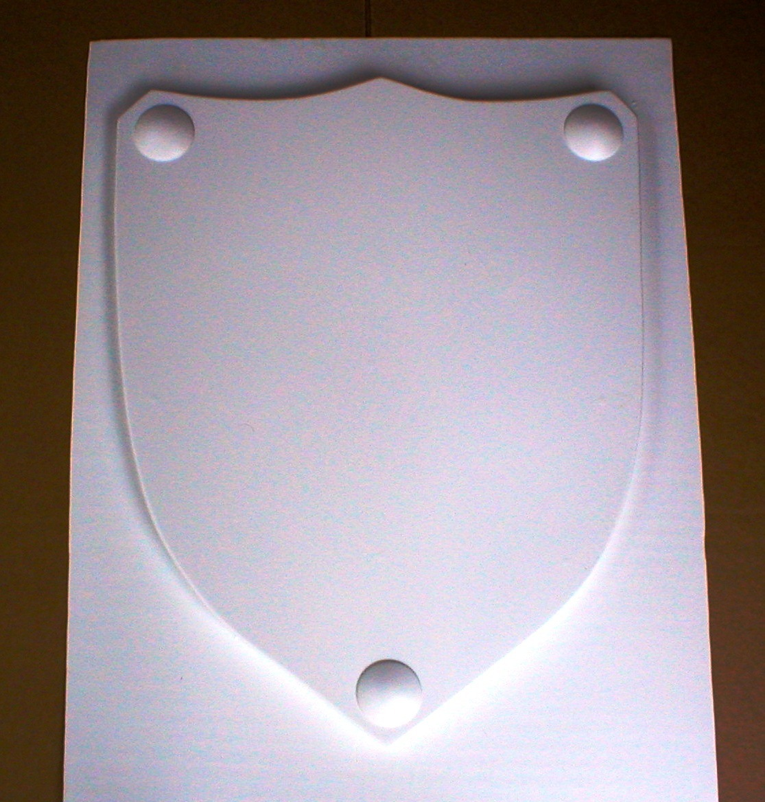 Mold 1502   24x30x2 shield with 3 clavos