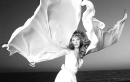 Ultra Hot - Stevie Nicks - Music Legend - Full-Gloss Photograph - $9.95