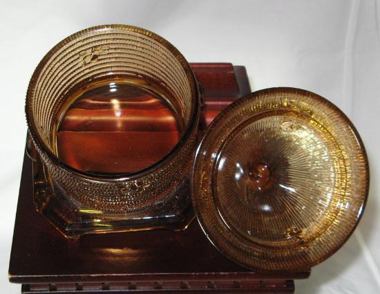 Boyd Art Glass Amber Bee Hive Lidded Honey Pot