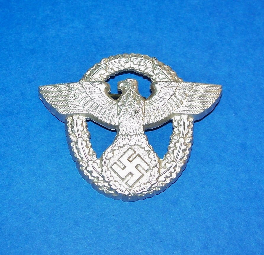 ORIGINAL WW2 GERMAN POLICE CAP BADGE, 2nd PATTERN