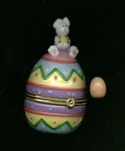 BUNNY RABBIT ON TOP OF EGG HINGED BOX - £8.48 GBP