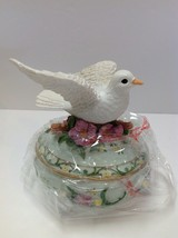 """Heritage House Sing A Song """"The Wat We Were""""Trinket Music Box White Dove... - $23.76"""