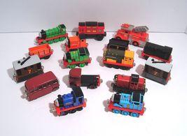 Thomas & Friends Die-Cast Magnetic Plus Sights and Sounds 16 Vehicle Lot - $21.95