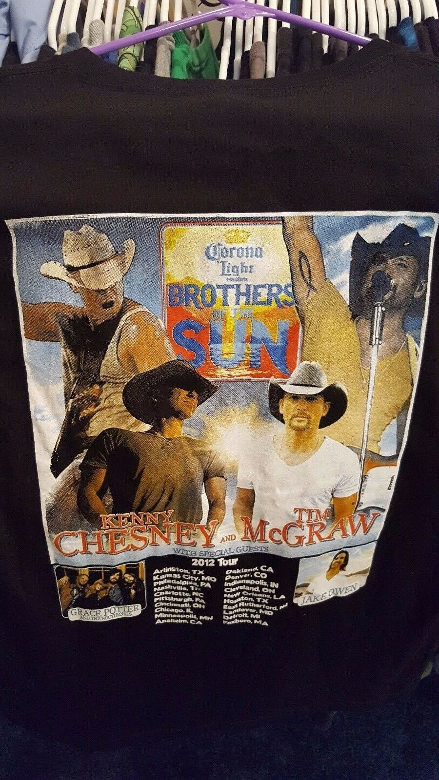 Primary image for KENNY CHESNEY TIM MCGRAW Brothers of the Sun concert tour shirt 2012 size L BEER