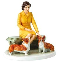 Royal Doulton Her Majesty At Home Queen Elizabeth ll Figure HN5807 Limit... - $199.90