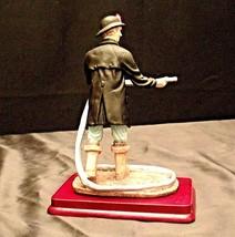 Fireman Figurine AA20-2150 Vintage image 2