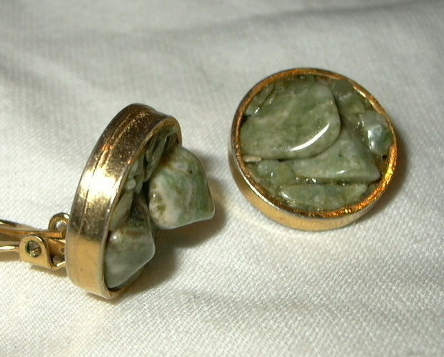 j79 Vintage Green Jade Nuggets Clip On Earrings
