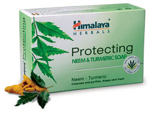 Himalaya Protecting Neem and Turmeric Soap 125g with lemon for skin protection.