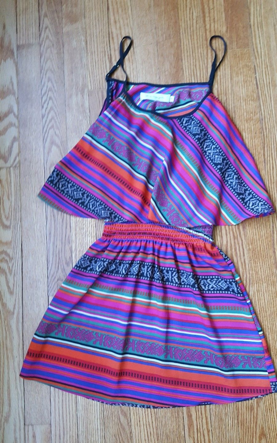 T-bags Los Angeles Womens Sphaghetti Strap open Back Dress Size Small Silk