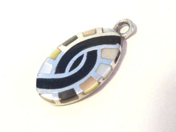 Fantastic sterling silver Inlaid Black Oynx & Mother of Pearl Pendant