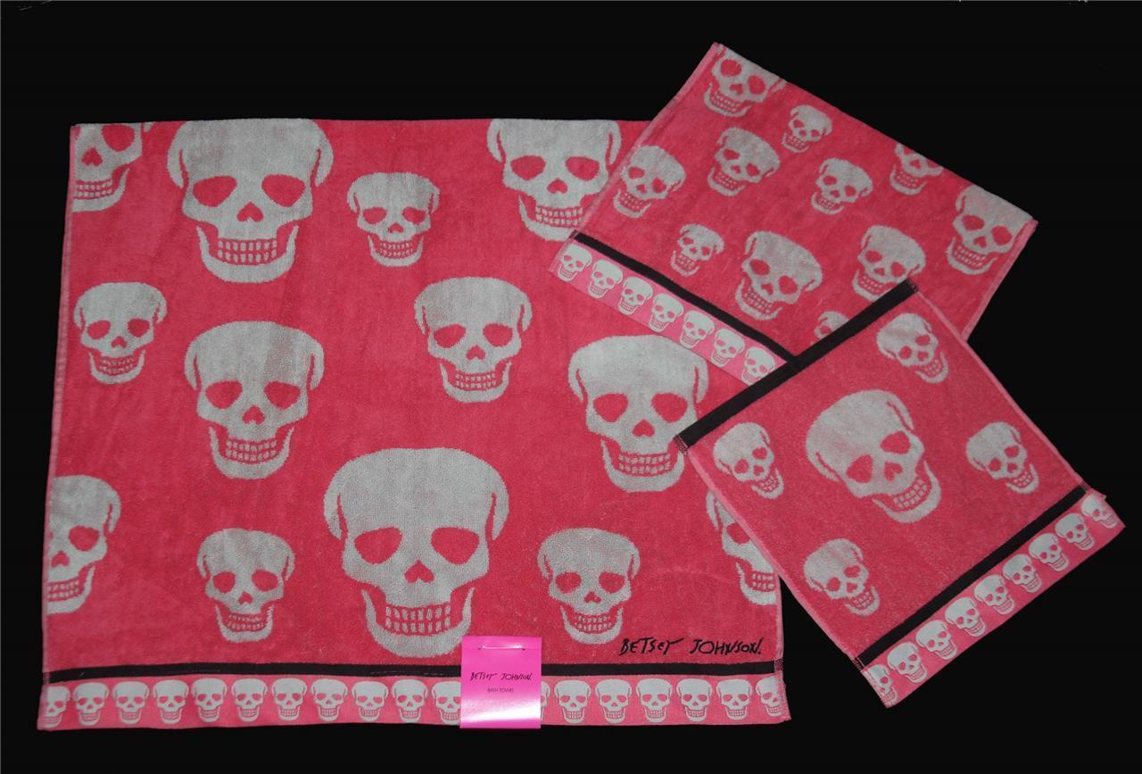 3 Betsey Johnson CRAZY SKULLS Coral Pink Blk Bath/Hand/Wash Cloth Towels Set NWT - $39.99