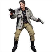 Hot Toys 1/6 The Terminator T-800 Movie Masterpiece Figure 1/6 - $449.99