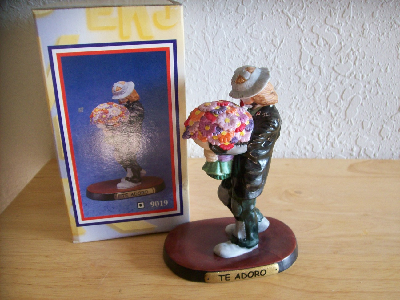 "1998 Emmett Kelly JR. ""Te Adoro"" Figurine (9019)"